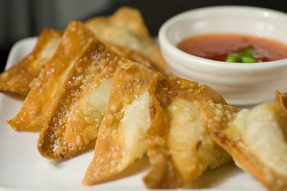 fried wontons zha yuntun apple crisp wontons classic chinese wontons ...