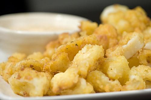 Calamari with Lemon-Basil Sauce