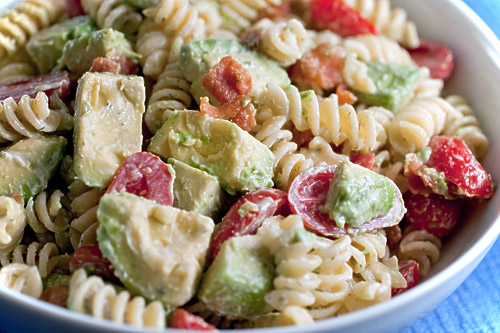 Creamy Bacon, Tomato and Avocado Pasta Salad