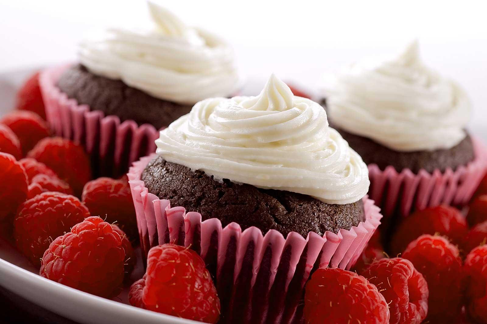 Dark Chocolate Raspberry Cupcakes - Life's Ambrosia Life's Ambrosia ...
