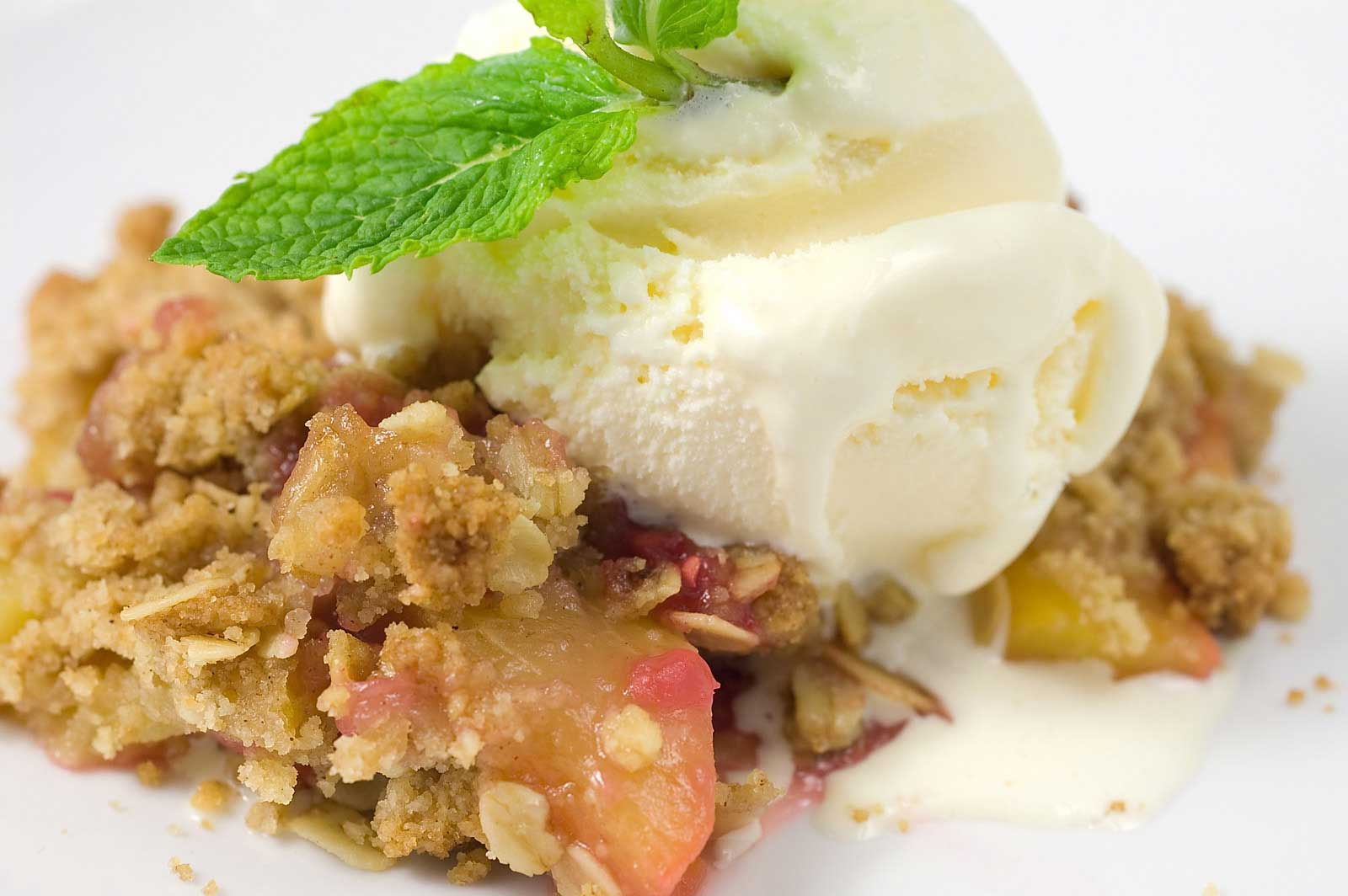 Bourbon Peach And Raspberry Crisp Recipe — Dishmaps