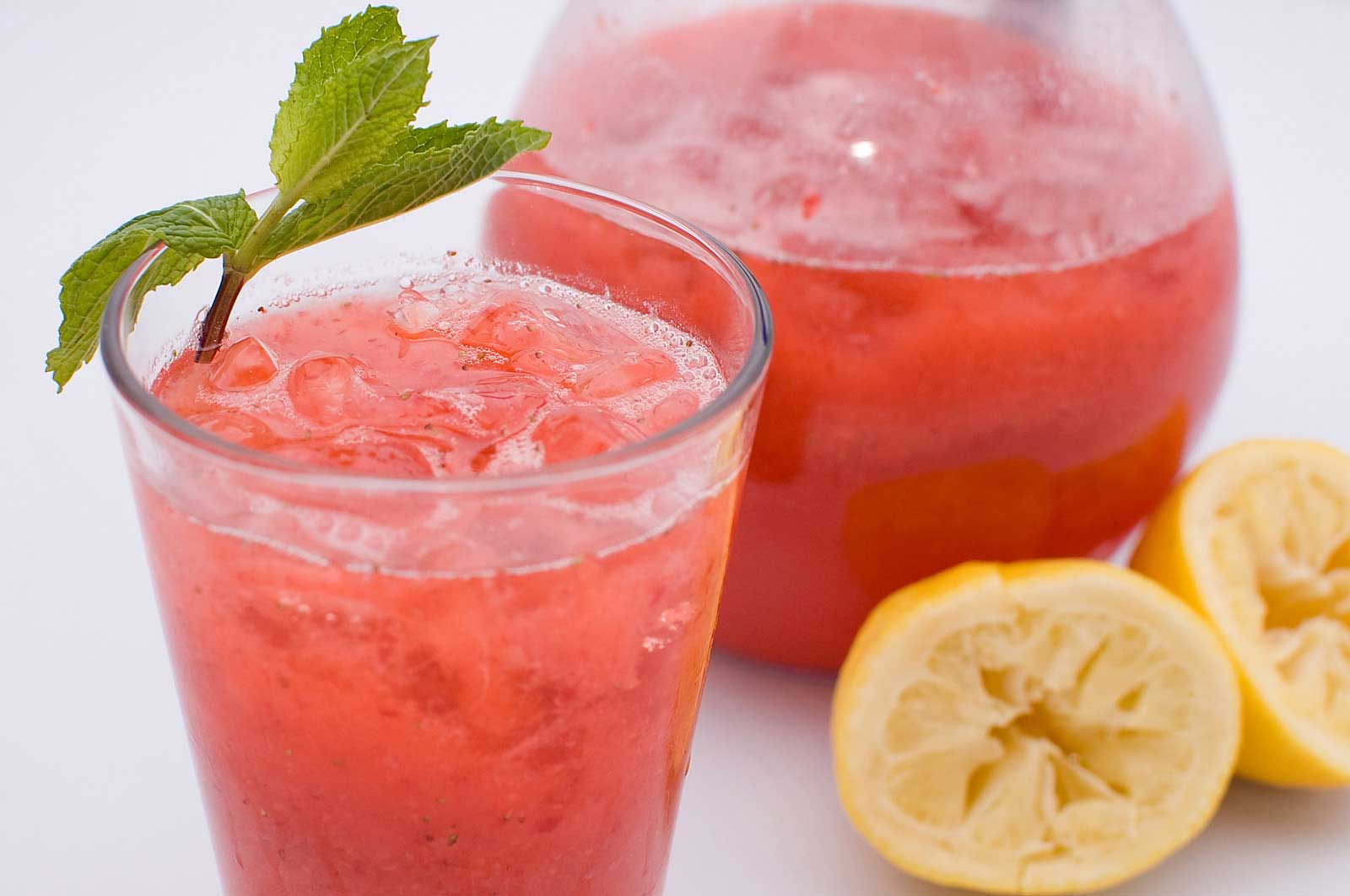 Recipe for Sparkling Strawberry Lemonade - Life's Ambrosia Life's ...